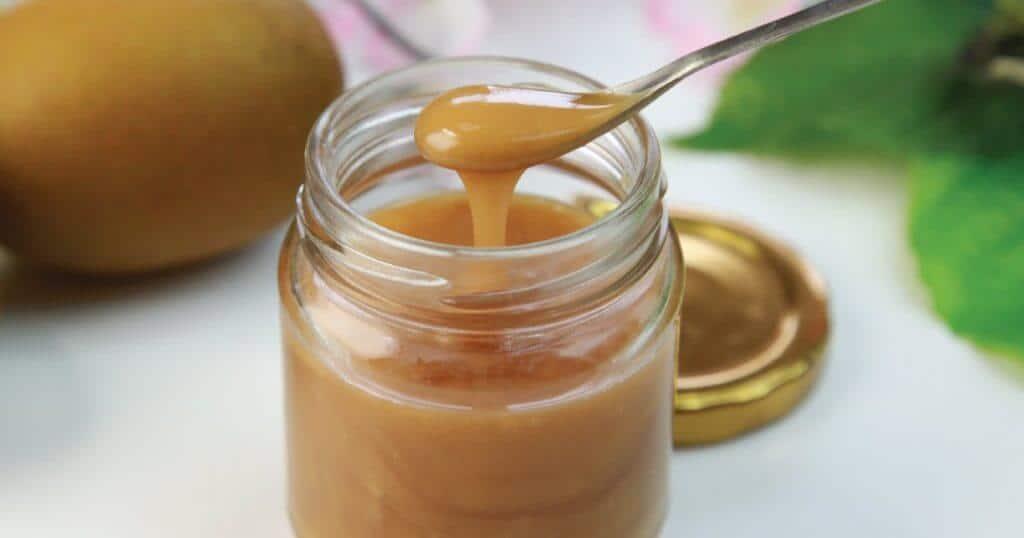 Manuka Honey UMF from manuka bush