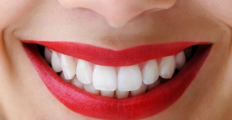 Apple cider vinegar to whiten your teeth